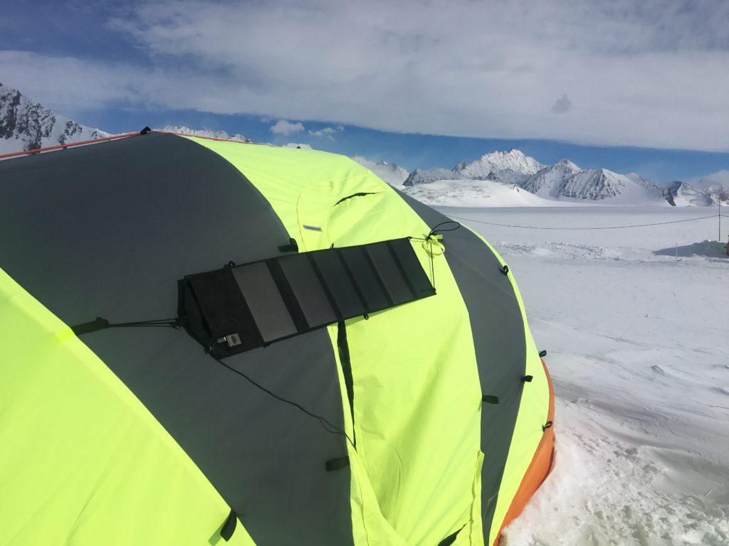 Bærbart Solkraftverk på Sydpolen - foto Rune Gjeldnes